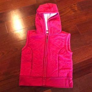 Girls Vest warm furry hooded. Dark pink size 7/8
